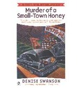 Murder of a Small-Town Honey - Denise Swanson